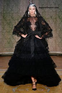 Yolancris presents its second Couture collection in Paris during the Haute Couture Fashion Week at the beautiful Spanish Embassy. Barcelona Fashion, Fashion Week Paris, Style Couture, Haute Couture Fashion, Fashion News, Fashion Show, Fashion Events, Collection Couture