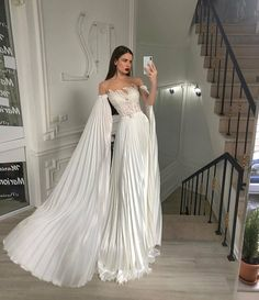 Gala Dresses, Event Dresses, Formal Dresses, Dream Wedding Dresses, Wedding Gowns, Pretty Dresses, Beautiful Dresses, Special Dresses, Dream Dress