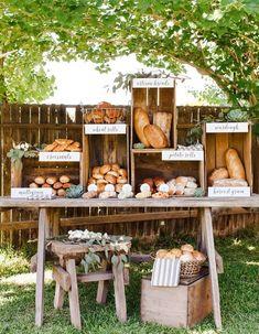 Imaginez des buffets avec des cagettes en bois