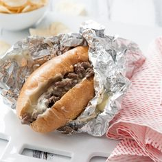Philly Cheese Steak Sandwich Recipe <--- these sandwiches come together quickly when using good quality deli roast beef. Fast and delicious! Cheese Steak Sandwich Recipe, Soup And Sandwich, Steak Sandwiches, Cheese Steaks, Steak And Cheese Sub, Beef Dishes, Food Dishes, Sandwich Croque Monsieur, Beef Recipes