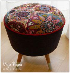 Puff Retro Mandalas Tapizado en pana belga color uva, y panamá estampado. Color Uva, Ottoman, Retro, Chair, Furniture, Home Decor, Mandalas, Colors, Neo Traditional