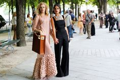 Elena Perminova e Miroslava Duma, romantica e femminile l'una, maschile e sofisticata l'altra