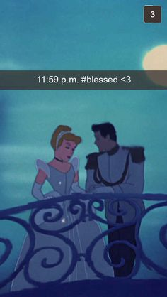 29 Magical Disney Princess Snapchats...this took me a few seconds and then I laughed and laughed..