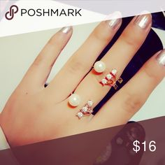 New Arrival🙀 Gold plated ring. Faux pearl. Size 7 Jewelry Rings