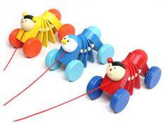 Bois jouet éducatif 2 pcs bande dessinée chenille traction glisser peu walker jouet développement de la petite de sécurité bois infantile bébé cadeau