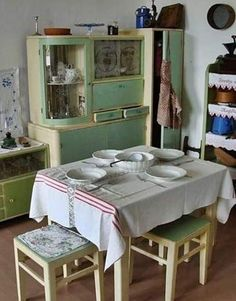 Forrás: Retro made in Hungária Retro Vintage, Vintage Items, Cafe Style, Shabby Chic, Restaurant, House Design, Cabinet, Architecture, Storage