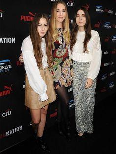 Looks de Este, Danielle e Alana Haim no red carpet.