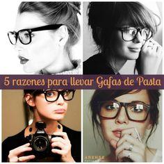 5 razones por las que las #GafasGraduadas Ray Ban de pasta siempre están de moda  Las gafas graduadas Ray Ban de pasta negra son omnipresentes. Seguro que las has visto en mil sitios, en la calle, en el trabajo, en las revistas, en blogs, etc. Las llevan tanto chicos como chicas y desde hace generaciones han sido las preferidas para las celebrities. ¿Por qué nunca dejan de estar de moda?   Ray-Ban #GafasDePasta #Estilo #Moda #Gafas   Descubre todas las tendencias en gafas aquí: La…