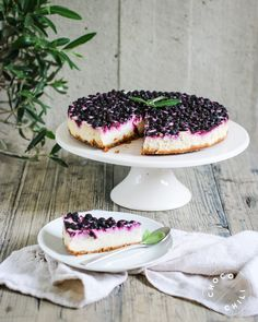 Vegan Cheesecake, Blueberry Cheesecake, Vegan Cake, Foods With Gluten, Vegan Foods, Vegan Blueberry, Vegan Treats, No Bake Cake, Vegan Gluten Free