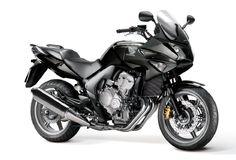 Honda CBF 600: 76 pk, 600 cc, 4 cilinders, tweedehands €3000 à €5000, lesmotor 2013 AVD