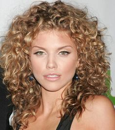 love the color, love the curl, love the length...wish my curls would look like this