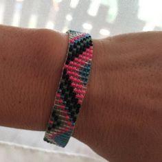 Loom beaded bracelet with waxed cord / Beaded bracelet made with Miyuki delica beads / Native inspired bracelet Festival Hippie, Festival Bracelets, Gypsy Bracelet, Boho Gypsy, Hippie Boho, Bead Loom Bracelets, Bead Loom Patterns, Colorful Bracelets, Loom Beading