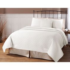 Landon White 3-piece Quilt Set | Overstock™ Shopping - Great Deals on Quilts