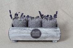 Zestaw �?wieczek z ozdobn�? koronk�? (proj. Nikka.handmade), do kupienia w DecoBazaar.com