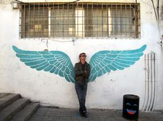 Graffeur en région parisienne connu sous le pseudonyme de Seth, Julien Malland s'est rendu en Israël pour montrer les énergies qui s'expriment sur les murs.