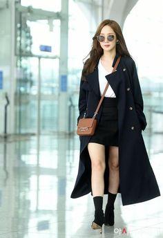 Park Min Young is off to Berlin dressed for fall ~ Netizen Buzz Kpop Fashion, Asian Fashion, Fashion Outfits, Womens Fashion, Airport Fashion, Secretary Outfits, Park Bo Young, Korean Actresses, Young Fashion