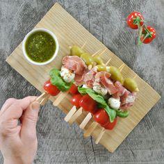 Einfache Antipasti-Spieße mit Mozzarella - Küchensprint