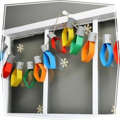 Christmas DIY Crafts for kids - Christmas crafts for kids! Christmas Lights Garland, Christmas Ornaments, Light Garland, Holiday Lights, Xmas Lights, Christmas Decorations With Paper, Christmas Decorations Diy Crafts, Christmas Displays, Christmas Mantles