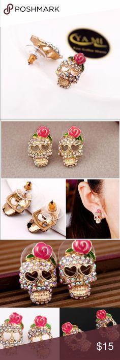 😎👛 JUST IN ! Skull earrings🎃👌 🎉💖 Fashion and cute earrings! Just in time ! 💖😍 Jewelry Earrings