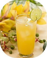 Receita de suco de limão e abacaxi e água de coco para acelerar o metabolismo e aumentar a queima de gorduras. Esse suco irá ajudar a emagrecer