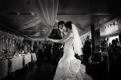 First dance. Lincolnshire weddings, Photo: Shaun Taylor Photography #blackandwhite #photography