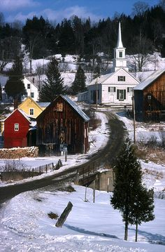Winter scene in Vermont, New England, Usa. Old Country Churches, Old Churches, Country Roads, Le Vermont, Vermont Winter, Places To Travel, Places To See, Beautiful World, Beautiful Places