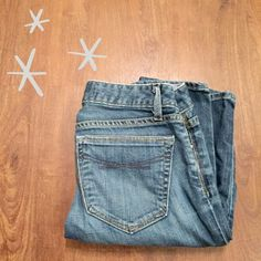 """✨FLASH SALE✨GAP 1969 Always Skinny Jeans Gently worn and in great condition. Blue wash with fading and whiskering. 98% cotton, 2% spandex. 31"""" inseam.   Need any other information? Measurements? Materials? Feel free to ask! Don't be shy, I always welcome reasonable offers! Fast shipping! Same or next day! Sorry, no trades!  Happy Poshing!☺️ GAP Jeans Skinny"""