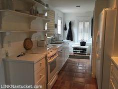8 Broadway, Nantucket, MA 02554   MLS #81577 - Zillow