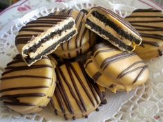 These are the yummiest most decadent dipped oreos ever.  Mine had chocolate on the outside instead of peanut butter.  It was sooo rich and yummy!! Definitely try these!    Peanut Butter Chocolate Covered Cream Oreo by Sweettoothsweetie, $16.00