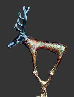 Alacahöyük étendard rituel en forme de cerf bronze et argent Hittite