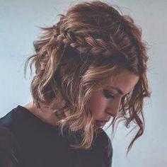 Peinados de pelo corto para bodas trenza lateral