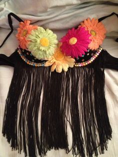 i like the idea of the fringe hanging down because I don't want to be rubbing my skin against sweaty strangers Rave Festival, Festival Looks, Festival Outfits, Festival Fashion, Spring Break Party, Diy Bra, Rave Gear, Raver Girl, Rave Outfits