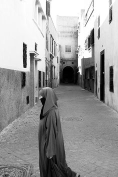 Lady in El Jadida