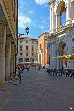 Vicenza, Italy (ph. Saverio Bortolamei)