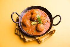 दम आलू बनाने की विधि – Dum Aloo Recipe in Hindi Potato Recipes In Hindi, Potatoe Dinner Recipes, Aloo Recipes, Curry Recipes, Veg Curry, Punjabi Food, Coriander Powder, Turmeric, Food To Make