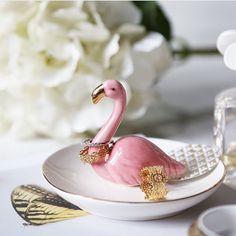 If you like it {..} Put a ring on it! oh-oh-oh!  #ihavethisthingwithflamingos #flamingos #flamingo #pink @fla.mingle