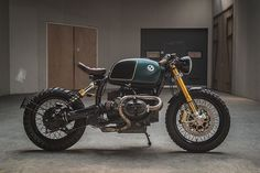 The best cafe racer motorcycles, from classic bikes to modern-day specials. Discover the parts and upgrades that'll take your own bike to the next level. Bmw Cafe Racer, Estilo Cafe Racer, Cafe Racer Style, Cafe Racer Motorcycle, Girl Motorcycle, Motorcycle Quotes, Motos Bmw, Bmw Motorbikes, R Cafe