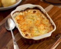 Millefeuille de pommes de terre au chèvre et au bacon gratiné (facile, rapide) - Une recette CuisineAZ