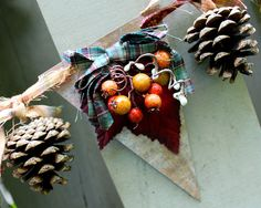I like this for a Thanksgiving decoration. I also have thsi idea to swap the pinecones out for brass stars and make it a little more my house on an average day.
