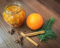 Citrusové marmelády jsou moje vůbec nejoblíbenější. Když se navíc zkombinují pomeranče s vanilkou a skořicí, vznikne neodolatelně vánoční chuť a vůně. Tak trochu pomeranče v čokoládě a tak trochu s… Home Canning, Carrots, Homemade, Orange, Vegetables, Fruit, Recipes, Winter, Christmas