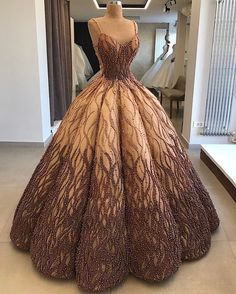 Image about fashion in Roupas by Júlia Domiciano Ball Gown Dresses, Evening Dresses, Prom Dresses, Formal Dresses, Bridesmaid Gowns, Wedding Dresses, Elegant Dresses, Pretty Dresses, Debut Gowns