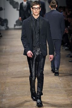 Viktor & Rolf Fall 2013 Menswear Collection Slideshow on Style.com