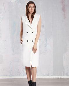 V-am obisnuit cu piese vestimentare versatile si atipice, iar in continuare va prezentam vesta alba dama KELLY. Sosita in cea mai noua colectie semnata TiarStudio, aceasta piesa te va incanta. Mai, Dresses For Work, Fashion, Moda, Fashion Styles, Fashion Illustrations