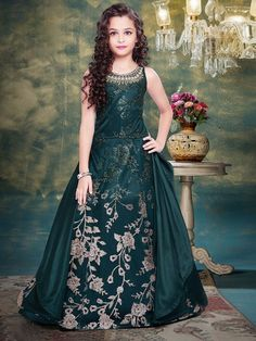 Designer Gowns for Girls. Buy online children's gowns dresses & frocks at best price for 1 to 16 years girls. Shop girls designer gowns for Wedding, Birthday, Party & Festival wear. Fancy Dress For Kids, Stylish Dresses For Girls, Gowns For Girls, Frocks For Girls, Stylish Dress Designs, Dresses Kids Girl, Kids Frocks, Casual Dresses, Formal Dresses