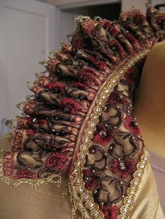 Partlet Blog on construction Elizabethan Costume, Renaissance Costume, Renaissance Fashion, Period Outfit, Beaded Embroidery, Beading Patterns, Sewing Projects, Jacobean, Costumes