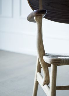 Carl Hansen & Søn - CH22 | Lounge Chair - Detail - Designed by Hans J. Wegner - http://www.carlhansen.com
