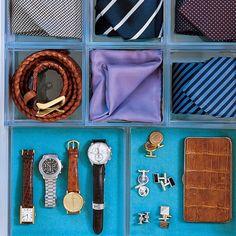 Seguem algumas dicas práticas para utilizar na hora de planejar ou reorganizar seu closet ou guarda-roupas. É importante levar em conta o vo...