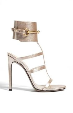 Step out in gladiator sandals - Gucci Heel - Ideas of Gucci Heel - Step out in gladiator sandals Fab Shoes, Cute Shoes, Me Too Shoes, Dream Shoes, Stilettos, Gladiator Sandals, Shoes Sandals, Gladiators, Louboutin