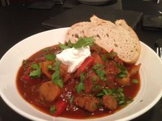 Beef Goulash Beef Goulash Slow Cooker, Recipe For 4, Slow Cooker Recipes, Thai Red Curry, Crockpot, Steak, Potatoes, Meals, Dinner