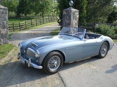 1962 Austin Healey - a brawny and brute man's sportscar. They don't make 'm like this anymore. The Honda S2000 was maybe with the same attitude, but production of that car ended last year.